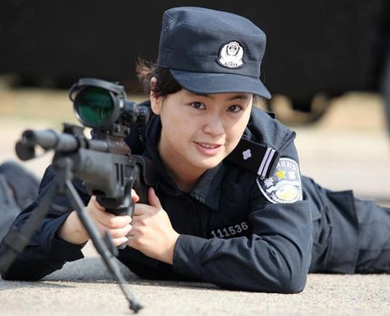 女特警 崔靖悉 女子特警队 女特警图片 青岛女特警