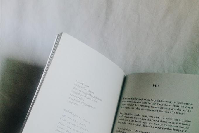 monochrome-photo-of-book-2081327.jpg