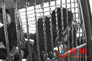 女孩被网友绑架卖到娱乐场所做坐台(图)