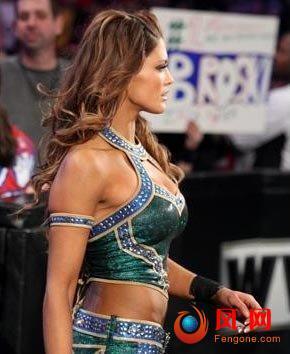 wwe摔跤女王直播现场 摔跤女王 激吻