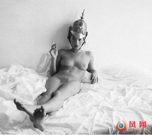 凯特·莫斯 尺度照 全裸写真