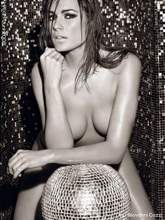 塞雷多娃 布冯 全裸 激情 做爱 情趣工具 性感内衣