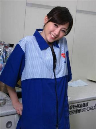 台湾美女店员 杨可凡 照片 正妹店员 侯佩岑