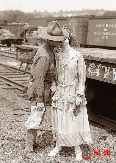 战争年代最令人心醉的吻